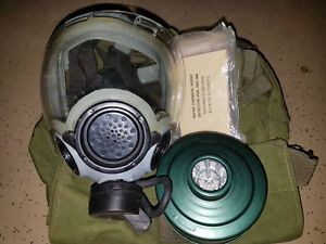 Msa Millennium Respirator Sz S Gas Mask With Carrier Filter Accessories