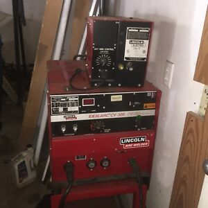 Lincoln Cv 300 Mig Welder With Lv 7 Wire Feeder 3 Phase