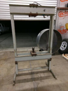 H Frame Hydraulic Press Frame Only Large Great Condition