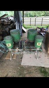 John Deere 2 Row Corn Planter With 10 Sets Of Plates Has Fertilizer Box s