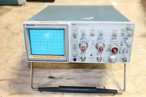 Tektronix 2215a Analog Oscilloscope Two Channels 60mhz