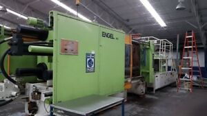 1992 Engel 900 Ton Injection Molding Machine