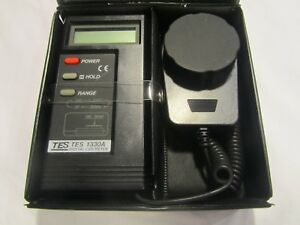 Tes1330a Digital Luminance Meter Lux Meter Illuminometer Light Meter