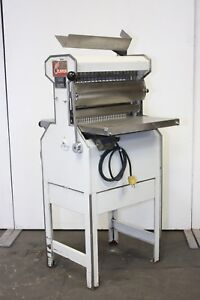 Oliver 777 1 2 Commercial Electric Bakery Bakers Bread Slicer Machine