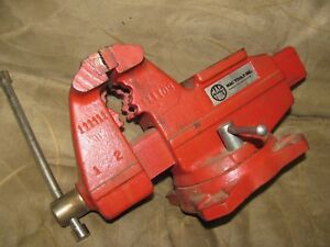 Mac Tools Bench Top Vise Vice Iron 4 1 2 Opening 3 1 2 Jaws Red Used