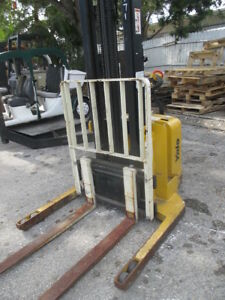 Yale Msw040 2000lbs Walk Behind Forklift Walkie Straddle Stacker 130 Max Height
