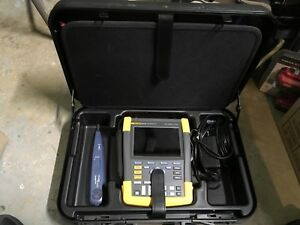 Fluke 190 202 am s Digital Oscilloscope