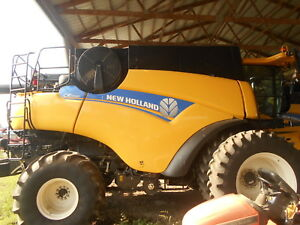 2014 New Holland Cr7090 Combine Sn Ydg118065 450 Seperator Hours