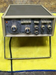 B k Precision 3025 Sweep Function Generator power Cord Not Included