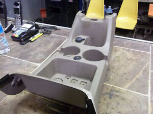 2002 2005 02 03 04 05 Ford Explorer Mountaineer Center Console Cupholder Tan Oem
