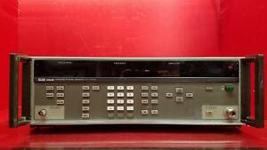 Fluke 6060b Synthesized Rf Signal Generator 10khz 1050mhz for Parts Or Repair