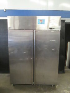 Norlake Nr4825ms 54 Commercial 2 door Reach in Refrigerator R22 Stainless
