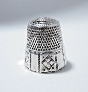 Antique Late 1800s Sterling Silver Sz 11 Paneled Thimble
