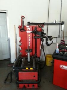 Tire Changer And Wheel Balancer