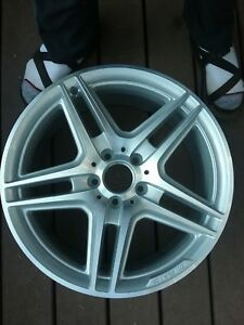 Mint Condition Mercedes C Class W204 18 Front Wheel Amg Free Shipping