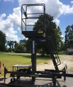 Ballymore Telescoping Hydraulic Maintenance Lift Mr 20 dc
