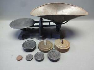 Reading Hardware Cast Iron Balance Scale Antique With 7 Weights