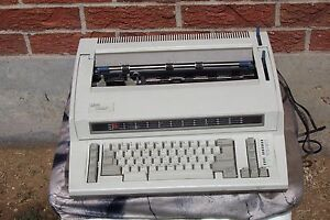 Ibm Wheelwriter 1000 By Lexmark Electric Typewriter