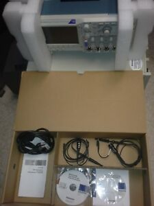Tektronix Dpo2014b Complete Used Once 100mhz 1gsa s 4 Ch Color Usb 2 Probes