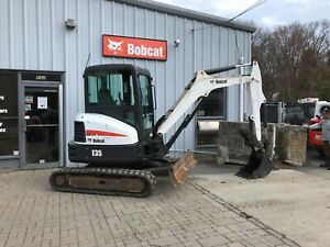 Bobcat E35 Enclosed Hvac Thumb Long Arm Bucket Radio Deluxe Panel