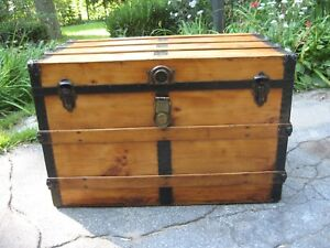 Antique Flat Slat Top Steamer Trunk Stage Coach Chest Coffee Table Restored Nice