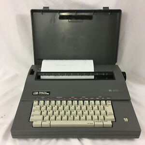 Smith Corona Portable Electronic Typewriter Sl470 With Protective Carry Case