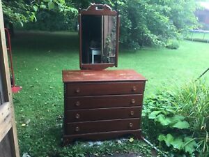 Spectacular Maple Furniture Antique Dresser W Mirror
