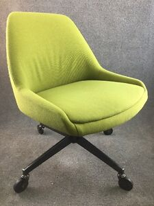Mid Century Modern Steelcase 450 Barrel Back Office Chair In Avocado Green