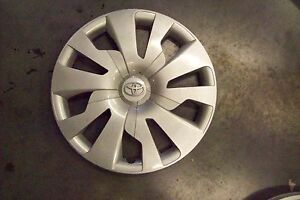 Factory Toyota Yaris Hubcap Wheel Cover 2015 2016 2017 15 Hub Cap 61176 1