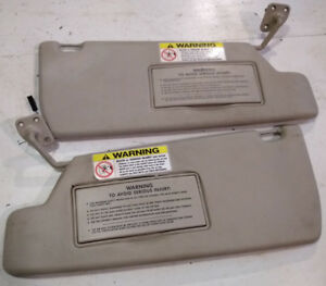 1995 Land Rover Discovery Driver Side Sun Visor W Pass Side For Parts 1994 1998