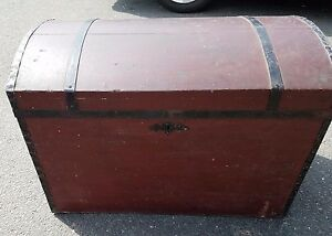 Antique Domed Trunk Clean Insert Included Circa Early 1900 S