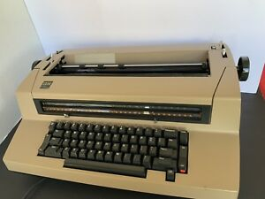 Ibm Selectric Iii Correcting Typewriter With Cover