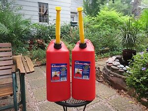 Set Of 2 New Vented Scepter 5 3 Gallon Plastic Jerry Gas Can Spout
