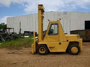 V130 Caterpillar 15 000 Lb Forklift All Terrain Perkins Diesel Enclosed Cabin