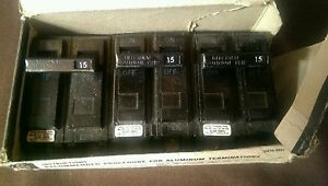 3 Ge Thql2115 Circuit Breakers 2 Pole 15a 120 240vac Plug In Common Trip