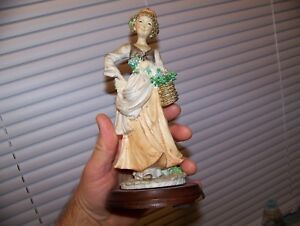 Vintage Pucci Signed Capodimonte Italy Porcelain Flower Girl Painted Figurine 9