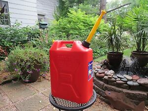 Pre ban But New Vented Scepter 5 3 Gal Gallon Plastic Jerry Gas Can Spout