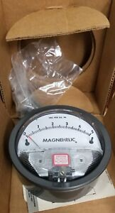 Dwyer Magnehelic Differential Pressure Gauge 2205c 0 5 Of Water 15 Psig Max