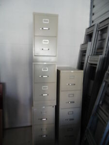 5 Office Home Vertical Metal Filing Cabinet 2 4 Drawer Unit By Staples Used