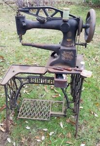 Singer 29 4 Industrial Cylinder Arm Leather Sewing Machine Antique G3857011