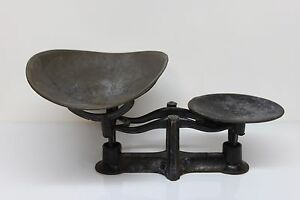 Antique Cast Iron Counter Balance Weight Scale With Removable Tin Scoop Tray