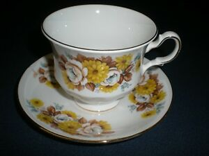Royal Vale Bone China Cup And Saucer Yellow Roses Gold Trim England