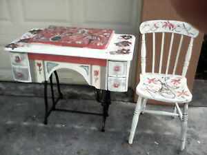 Vintage Singer Sewing Table Repainted In Excellent Condition