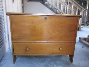 Early Before 1825 New England Pine Blanket Sugar Chest Bootjack Ends Drawer
