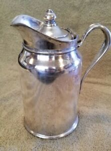 Reed Barton Silver Soldered Insulated Pitcher 300 2p 25