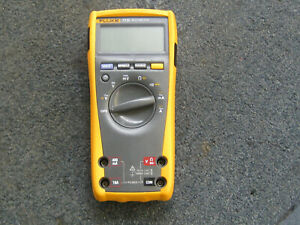 Fluke Digital Multimeter 77 Iv Meter W case