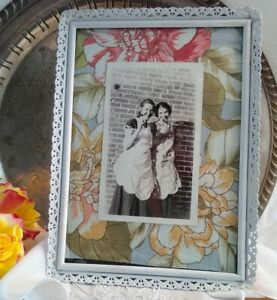 Vintage Shabby White Distressed Metal Lace Edge Picture Frame 5 X 7