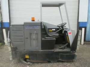 Advance 2052 Ride on Propane 52 Floor Scrubber Sweeper Hydro Retriever