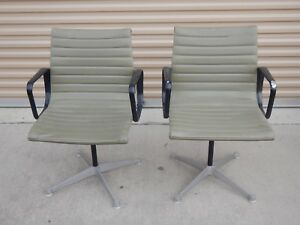 Vintage Charles Eames Herman Miller Aluminum Group Chairs Set Of 2 Moss Green 02