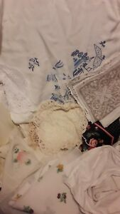 20 Linens Lace Doilies Tablecloths Embroidered Vintage Crafts Sewing Job Lot